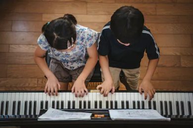 Buddy Lessons at Piano with Po